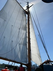 05052019-36 (Fruitcake Enterprises) Tags: centerforwoodenboats thecenterforwoodenboats seattle lakeunion birthweek lavengro dlunused sailboat
