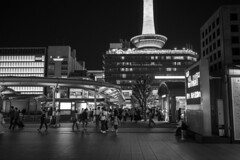 Kyoto (Hideki-I) Tags: monochrome bw blackandwhite whiteandblack 白黒 黑白 日本 京都 z7 nikon 35mm night