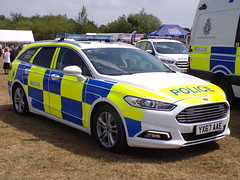 6346 - Humberside Police - YX67 AAE - 101_1877 (Call the Cops 999) Tags: uk gb united kingdom great britain england 999 112 emergency service services vehicle vehicles 101 police policing constabulary law and order enforcement k9 dog dogs unit humberside ford mondeo estate tourer yx67 aae