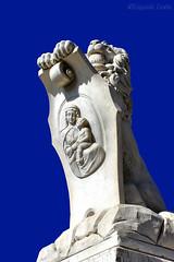 Pisa - Leone del Ponte Solferino - Lion of the Solferino Bridge (Eugenio GV Costa) Tags: approvato statua leone lion statue statues ponte bridge pisa