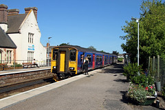 150265 Topsham (CD Sansome) Tags: station train trains topsham fgw gwr first great western railway sprinter 150 150265