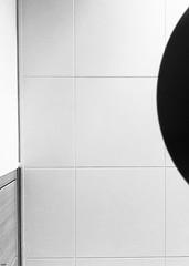 week 27/52 (oce_52_weeks_challenge) Tags: géométrique week white weeks wall indoor black blackandwhite blackwhite blanc blackandwhitephotography geometric monochrome iphone iphone6s iphonephotography 52weekschallenge 52 52weeks 2752 oce océ october octobre noiretblanc noir noirblanc nb bw lineandcurveinbw challenge calm symetrie appartment flat ambiance afternoon switzerland suisse swiss shootoniphone dark details frame grey light 2018 line lines lights phone photography photoennoiretblanc photo ceiling theviewfromtheground
