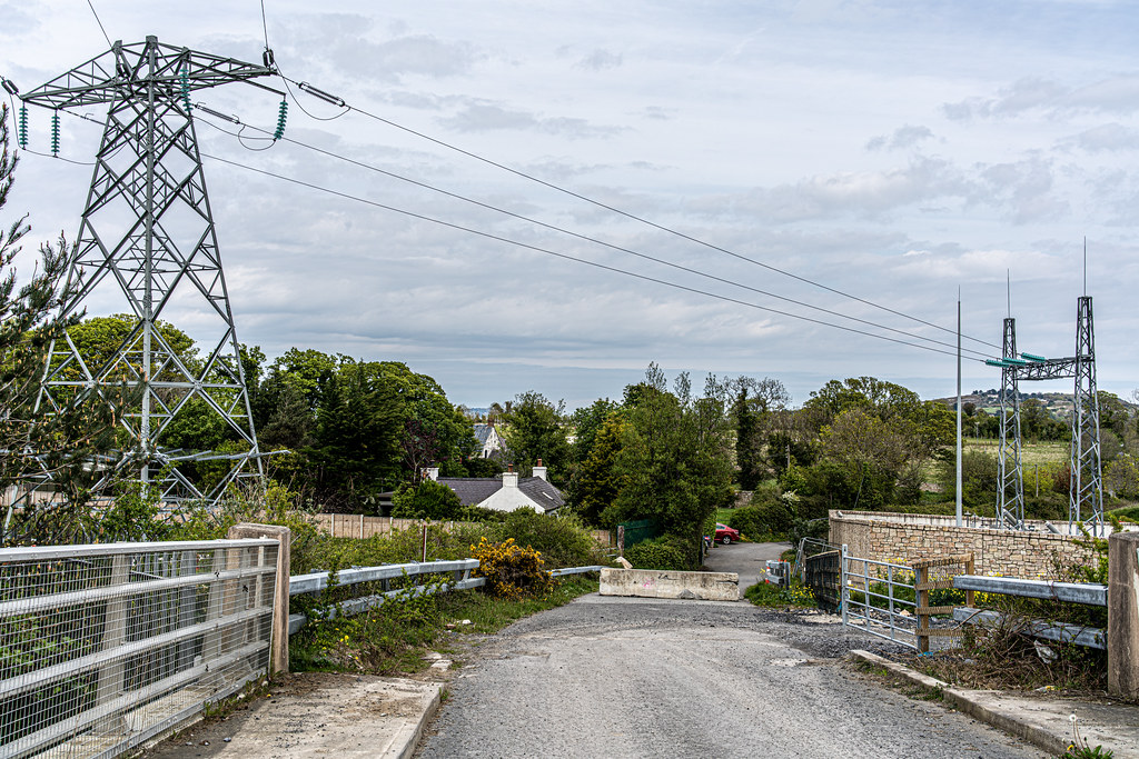 LEHAUNSTOWN LANE [NEAR THE LAUGHANSTOWN TRAM STOP IN CHERRYWOOD]-152285