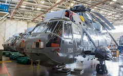 XV665 Royal Navy Westland Sea King HAS.1 @ HMS Sultan, Gosport, Hampshire. (Sw Aviation) Tags: xv665 royal navy westland sea king has1 hms sultan gosport hampshire has6 has5 helicopter heliport helipad helicopters avgeek aviation flying flight hangar stored training worked