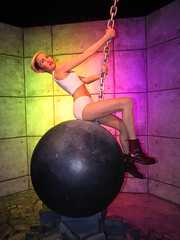 IMG_6613 (grooverman) Tags: las vegas trip vacation april 2019 madame tussauds wax museum statue canon powershot sx530 miley cyrus