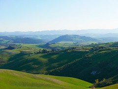 Tuscan countryside (ekelly80) Tags: italy tuscany volterra march2019 spring countryside hills light sun green grass rolling view