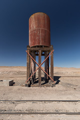 FCAB Water Tank (Reed Skyllingstad) Tags: antofagasta chile color desert fcab ferrocarrildeantofagastaabolivia narrowgauge outdoors outside railroad railway sunny tracks train watertank