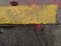 A17636 / underfoot on wooster street (janeland) Tags: newyorkcity newyork 10012 soho woosterstreet pavement underfoot abstract pe016 may 2018 ongrey yellow