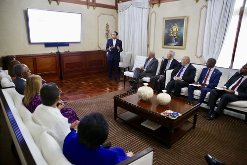 Presidente Danilo Medina revisa avances en metas sector Educación. Iniciarán Inglés por Inmersión en bachillerato en los próximos meses