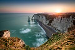 Les falaises d'Étretat (Guénolé TREHOREL) Tags: étretat falaise sunrise seascape landscape breathtakinglandscapes normandie normandy