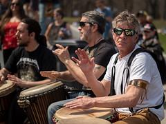 Les Tam-tams du mont Royal (Daniel Lebarbé) Tags: montroyal montreal tambour percussion jam improvisation fête danse party monument tourist touriste tamtam djembé nocticron