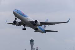 PH-OYI Boeing 767-304(ER) (Disktoaster) Tags: eham ams schiphol airport flugzeug aircraft palnespotting aviation plane spotting spotter airplane pentaxk1