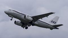OY-KBO Airbus A319-132 (Retro Livery) (2) (Disktoaster) Tags: eham ams schiphol airport flugzeug aircraft palnespotting aviation plane spotting spotter airplane pentaxk1