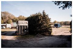 (schlomo jawotnik) Tags: 2019 april luckenwalde 100 anhänger pferd busch pkw sand usw