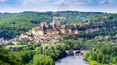 Château de Beynac (Cyril Ribault) Tags: pentax kr tamron tamronaf18200mmf3563xrdiiildasphericalif beynac castelnaud chateau castle dordogne aquitaine france pont bridge riviere river perigord