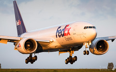 CDG | FedEx Express Boeing 777F | N857FD (Timothée Savouré) Tags: boeing 777 777f fedex express paris cdg lfpg n857fd golden light glide
