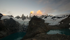 that keeps me searching (DeCo2912) Tags: patagonia laguna de los tres cerro fitzroy glow sun rise