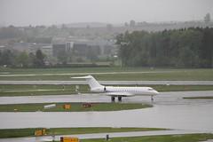 M-YSSF Bombardier BD-700 Global 6000 (Ray's Photo Collection) Tags: zurich bizjet myssf zürich zrh airport flughafen switzerland schweiz suisse aircraft rain flugzeug airliner plane bombardier bd700 global 6000