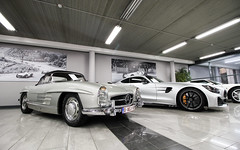 300 SL & GT R. (Tom Daem) Tags: 300 sl gt r garage deman brussels brussel
