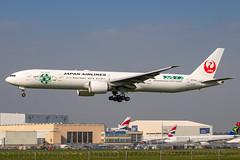 Japan Airlines - Boeing 777-346ER JA734J @ London Heathrow (Shaun Grist) Tags: jal japanairlines boeing 777 777346er shaungrist lhr egll london londonheathrow heathrow airport aircraft aviation aeroplanes airline avgeek landing 27l ja734j