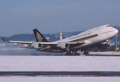 389cp - Singapore Airlines Boeing 747-400; 9V-SPI@ZRH;30.12.2005 (Aero Icarus) Tags: zrh zürichkloten zürichflughafen zurichairport lszh slidescan plane avion aircraft flugzeug singaporeairlines boeing747400 9vspi takeoff jumbojet