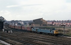 CHESTER FREIGHT (Malvern Firebrand) Tags: 40177 departs chester general mixed freight march 1982 no 2 signal box powerbox visible train 382 1980s cheshire goods vehicles transport railways railroad rails sidings track class40 40xxx englishelectric blue br britishrail