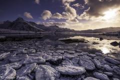 Hielo y Luz (Antonio Puche) Tags: antoniopuche paisaje landscape seascape lake lago norway noruega lofoten atardecer sunset nikon nikond810 nikon173528 hielo ice reflejos reflections