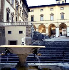 Angoli di Arezzo (michele.palombi) Tags: arezzo tuscany film 120mm 400asa negativo colore c41 piazza grande rolleicord