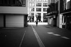 side street (gato-gato-gato) Tags: 1mai aufbau demo demonstratoin falken feminismus friededenhütten internationalesolidarität kapitalismus kriegdenpalästen kurden leica leicammonochrom leicasummiluxm35mmf14 mmonochrom mayday messsucher monochrom patriarchat primero primerodemayo rjz schweiz strasse street streetphotographer streetphotography suisse svizzera switzerland zueri zuerich zurigo black digital flickr gatogatogato gatogatogatoch rangefinder streetphoto streetpic streettogs tobiasgaulkech white wwwgatogatogatoch manualfocus manuellerfokus manualmode schwarz weiss bw monochrome blanc noir strase onthestreets mensch person human pedestrian fussgänger fusgänger passant sviss zwitserland isviçre zurich