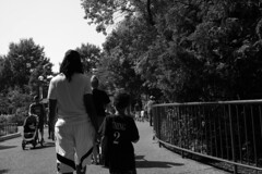 Nice name (streetravioli) Tags: street photography chicago children lincoln park zoo naming parenting