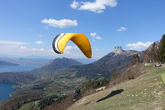Paraglider taking  off @ Takeoff area for paragliders @ Col de la Forclaz @ Hike around Pointe de Chenevier (*_*) Tags: april spring printemps 2019 bornes pointedechenevier sourcesdulacdannecy savoie europe france hautesavoie 74 annecy hiking mountain montagne nature randonnee walk marche montmin decollage paragliding coldelaforclaz parapente