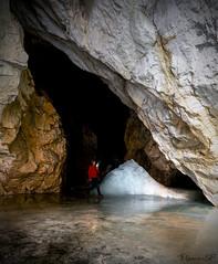 Entre hielo y roca (msfleon) Tags: cuevadehielodepeñacastil picosdeeuropa españa spain montañismo ruta mountain cueva crampon nieve invierno winter cave