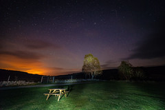 Night sky over Inverness (http://www.paradoxdesign.nl) Tags: night stars nightphotography sky inverness struy beauly culligran glen strathfarrar space clouds light pollution city country hills evening late darkness dark field bench trees planets falling star shooting vallende ster 14mm