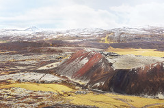 Firðir ~ Road trip 2018 (Marie l'Amuse) Tags: ljósufjöll snæfellsnes bifröst grábrók cratère crater lave lava volcan volcano neige snow color couleur colorful coloré automne autumn litla grábrókarhraun hreðavatn rauðabrók stóragrábrók grábrókarfell litlugrábrók smábrók islande iceland island red nikon reykjavik landscape nature paysage lumière light fjord alone seul solitaire lonely firðir road trip 2018 september septembre october octobre d7200 calme calm peaceful paisible away vacances holidays travel voyage montagne mountain nuages clouds mousse moss vesturland borgarbyggð