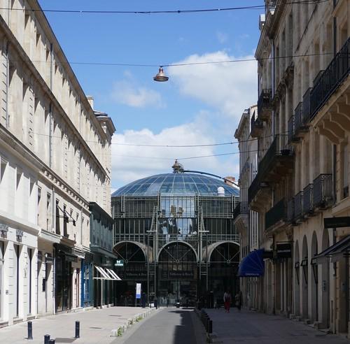 Un dimanche en ville, rue Voltaire et marché des Grands Hommes, Bordeaux, Gironde, Nouvelle-Aquitaine, France.
