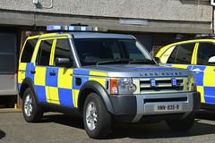 HMN-835-R (S11 AUN) Tags: isleofman manx police land rover discovery 3 tdv6 arv armed response firearms support traffic car anpr rpu roads policing unit 999 emergency vehicle hmn835r 2006
