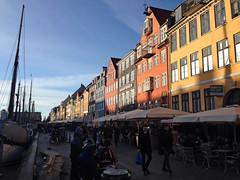 Nyhavn, København ([klauspeter]) Tags: københavn kopenhagen nyhavn hafen stadt city color farben dänemark danmark denmark street strase schiffe ship klauspeter iphone 2017 march märz kerstin hochzeitsrag