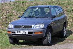N711 UVV (Nivek.Old.Gold) Tags: 1995 toyota rav4 gx 5door 1998cc