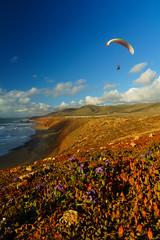 RU_201904_MaPaMaroc_210_x (boleroplus) Tags: decollage legzira mer montagnes parapente paysage vertical maroc