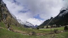 Printemps dans le vallon de montagne (yoduc73) Tags: champagny vanoise tarentaise vallée vallon alpes savoie hameau montagne altitude neige sommets enneigé pentes torrent alpages printempspâturages