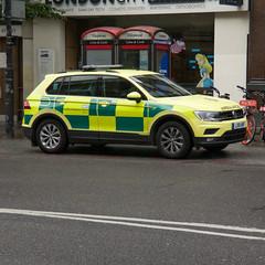 VOLKSWAGEN TIGUAN S TDI BMT 4MOTION (barronr) Tags: 112 911 999 emergency londonambulanceservice rapidresponsevehicle rrv gb england london ambulance