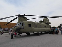 "Boeing CH-47F Chinook 00165 • <a style=""font-size:0.8em;"" href=""http://www.flickr.com/photos/81723459@N04/32886991187/"" target=""_blank"">View on Flickr</a>"