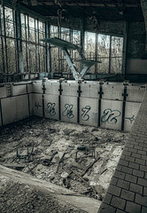 Abandoned swimming pool. (Matthias Dengler || www.snapshopped.com) Tags: chernobyl matthias dengler snapshopped pripyat funfair swimming pool rusty abandoned dark obscure radiation ukraine explosion reactor big wheel fujifilm travel discover explore create darkness lost place ruins
