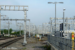 May 7th, 2019 Electrification (karenblakeman) Tags: reading uk 2019 2019pad may electrification railwaylines railwaystation gantries berkshire
