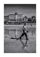 Promenade dominicale ! (bertranddorel) Tags: blackandwhite bw bnw bn bretagne biancoenero blancetnoir blancoynegro beach contrast city ciel ciutad clouds digue europe eau 35 france femme graphisme graphique geometrique human humain house light lumière life mono monochrome monocromo mer maison manche noiretblanc nb nikon nikkor noir ngc nuages nero negro ombre océan people personne plage rue reflet reflection reflexion randonnée street streetphoto saintmalo sky sea shadows seul sable soleil town tamron urban urbain urbano ville vie woman wb walking walk women