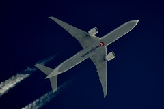 Turkish Airlines Boeing 777 TC-LJC (stephenjones6) Tags: jet aircraft aviation airlines civil contrail chemtrail boeing b777 b777300 turkish vapour vapourtrails ott extremespotting nikon d3200 dobsonian telescope skywatcher sky blue msn44123 b7773f2er