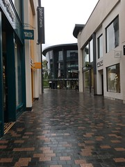 Bond Street (Bruce82) Tags: iphonese chelmsford bondstreet 119picturesin2019 apple highstreet 16 16of119 busy