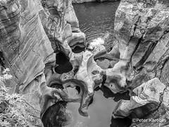 South Africa - Bourke's Luck Potholes (peterkaroblis) Tags: southafrica südafrika bourkesluckpostholes blyderiver treurriver canon erosion water rocks mpumalanga schwarzweiss blackandwhite