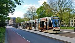 Raden maar waarheen? (Peter ( phonepics only) Eijkman) Tags: amsterdam city combino gvb tram transport trams tramtracks trolley rail rails strassenbahn streetcars nederland netherlands noordholland nederlandse holland