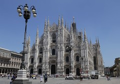 IMG_1085 (chazheng) Tags: milancathedral duomodimilano verona italy europe city canon culture history art centuries traditions architecture landscape famous wonderful interesting perspective flickr attraction building fullframe street